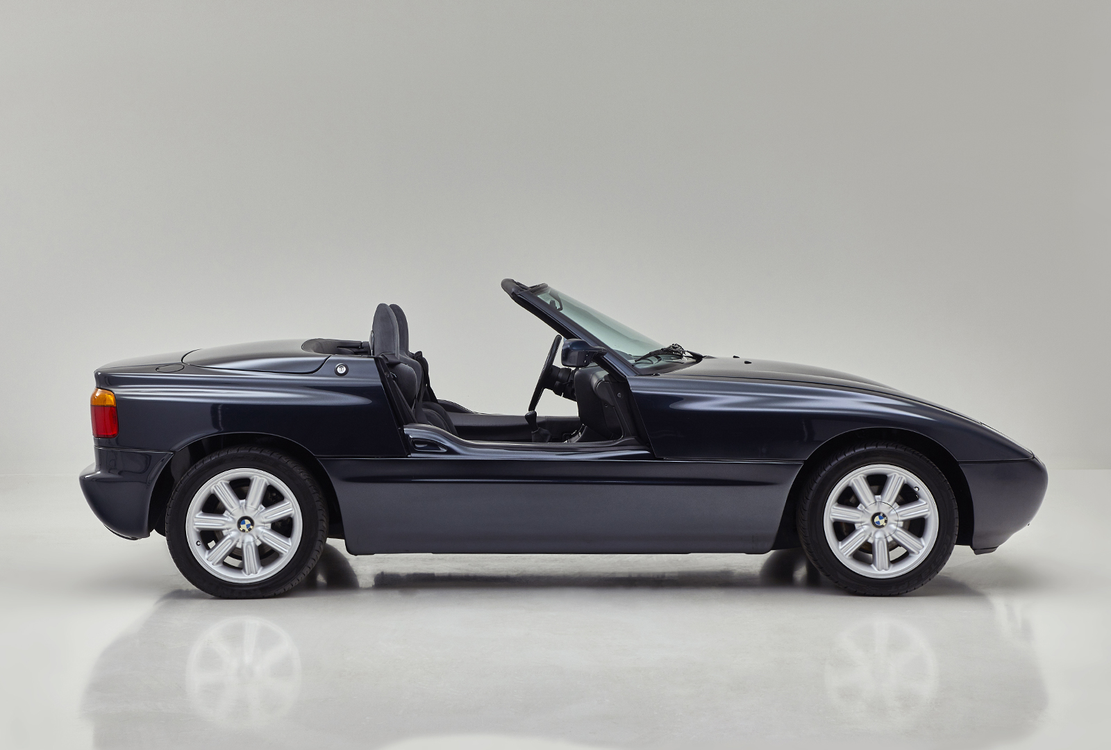 bmw z1 roadster 2 personers sportsvogn 2 5 l 6 cylindre. Black Bedroom Furniture Sets. Home Design Ideas